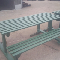 park-benches-finished-in-green-4
