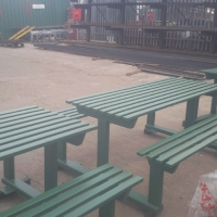 park-benches-finished-in-green-5